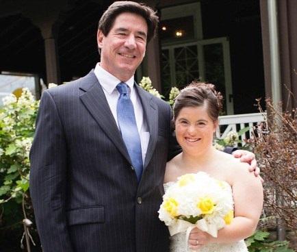 Lá thư bố gửi con gái bệnh Down trong ngày cưới